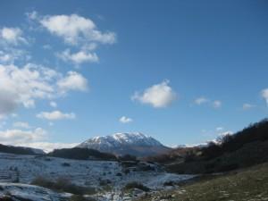 monte Rotondo sovrasta l'Altopiano delle Rocche: tra poco si scia!!